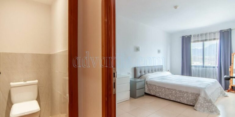 Apartment for sale in Playa Paraiso,3 minutes walking to the sea in Tenerife south. Apartment near the Hard Rock Hotel Tenerife 5*.