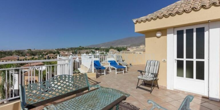 duplex-apartment-for-sale-in-playa-del-duque-costa-adeje-tenerife-spain-38679-0517-02