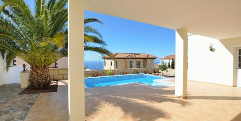 luxury-villa-for-sale-in-tenerife-costa-adeje-roque-del-conde-38670-0517-02