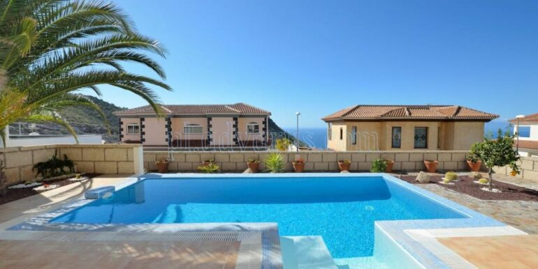 luxury-villa-for-sale-in-tenerife-costa-adeje-roque-del-conde-38670-0517-05