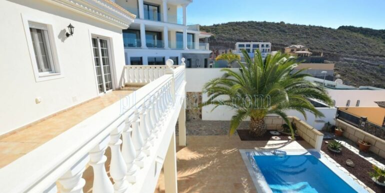 luxury-villa-for-sale-in-tenerife-costa-adeje-roque-del-conde-38670-0517-12