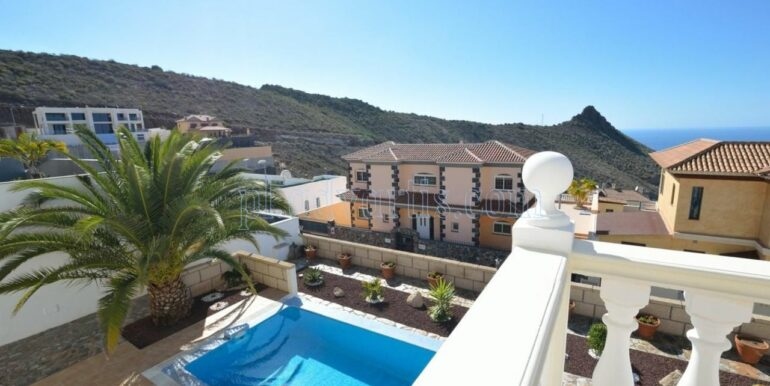 luxury-villa-for-sale-in-tenerife-costa-adeje-roque-del-conde-38670-0517-16