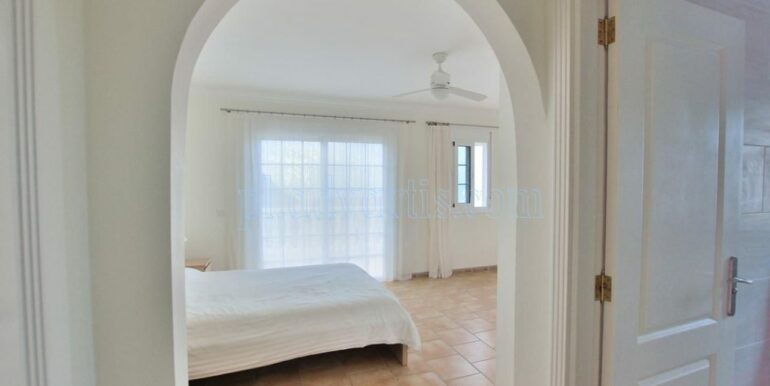 luxury-villa-for-sale-in-tenerife-costa-adeje-roque-del-conde-38670-0517-17