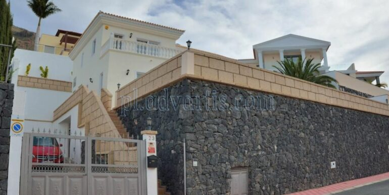 luxury-villa-for-sale-in-tenerife-costa-adeje-roque-del-conde-38670-0517-23