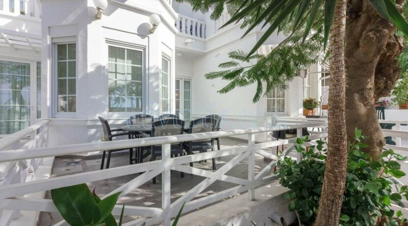 exclusive-seafront-villa-for-sale-in-tenerife-costa-adeje-38660-0512-27