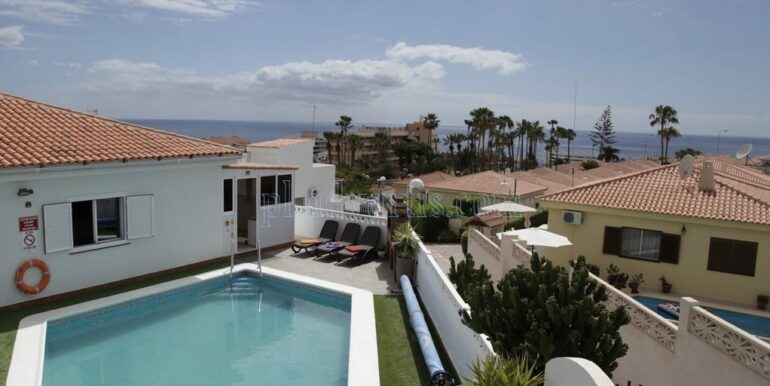 4-bedroom-villa-for-rent-in-callao-salvaje-tenerife-spain-38678-0708-01